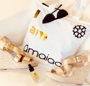amaiaa beauty - tote bag and luxury facial oil 2