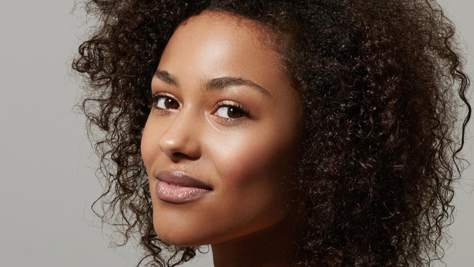Jasmine Oils Help to Control Skin Oiliness amaiaa